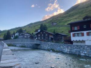 Vals Das Bergdorf mit Fluss